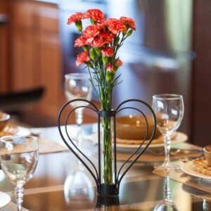 DANYA B Sweetheart Black Iron Heart-Shaped Decorative Bud Vase