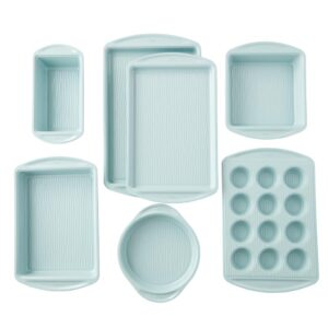 Wilton Texturra Performance 7-Piece Non-Stick Textured Bakeware Set