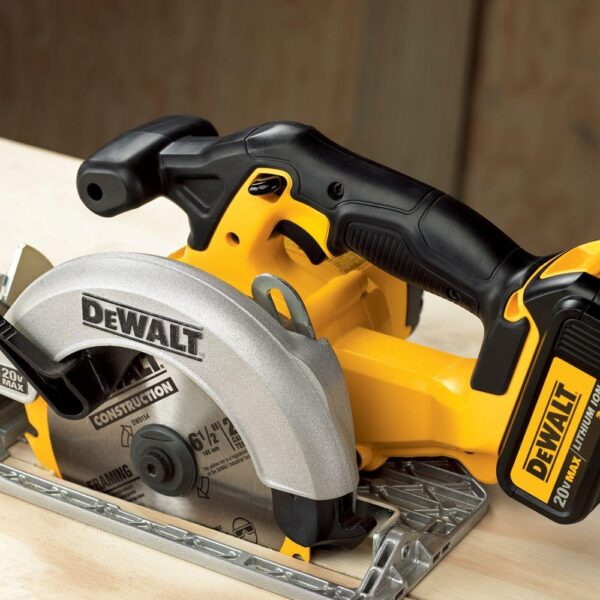 DEWALT 20-Volt MAX Cordless 6-1/2 in. Circular Saw with (1) 20-Volt Battery 5.0Ah & Charger