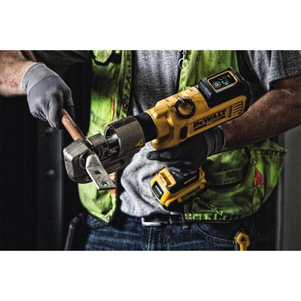 DEWALT 20-Volt MAX Cordless Died Cable Crimping Tool with (2) 20-Volt 4.0Ah Batteries, Charger & Case