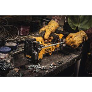 DEWALT 20-Volt MAX XR Cordless Barrel Grip Jigsaw with (1) 20-Volt 2.0Ah Battery & Charger