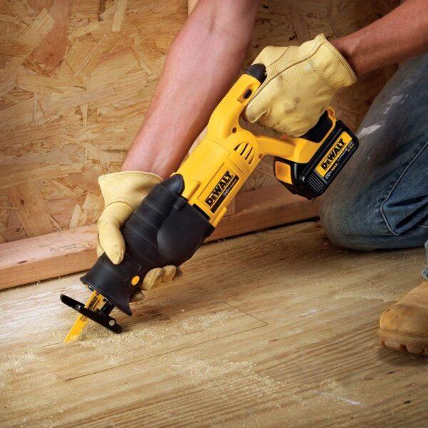 DEWALT 20-Volt MAX Cordless Reciprocating Saw (Tool-Only)